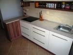 Kuchyň s kováním Blum